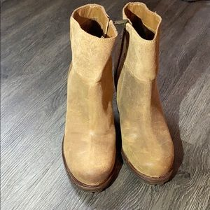 New Without Box Sam Edelman Suede Boots Size 8.5